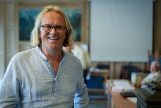GLAD I DEMOKRATIET: Rasmus Mo frå Sogndal meiner det er viktig at folk nyttar høvet til å gje politikarane råd om korleis det framtidige kommunekartet bør sjå ut.