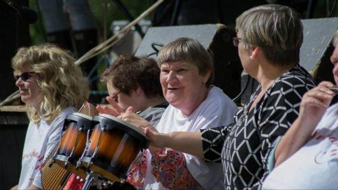 SPELTE I SKÅRI: Under fjorårets Målrock-festival fekk ASVO-bandet synt seg fram for eit endå breiare publikum under Skåri.