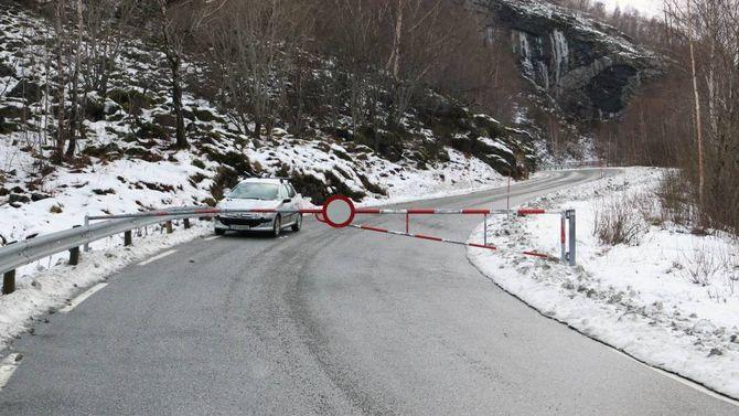VIKTIG VEG: Fylkesveg 53 mellom Tyin og Årdal er ein viktig veg for næringslivet i kommunen og berre ein av to innfartsvegar på vinteren. Arkiv