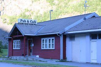 Driftar: Det er kafédelen på Postaabneriet Pub & Café som skal flyttast og få nytt konsept. Pubdelen blir verande i dette bygget.