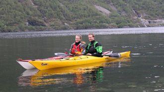 NYTT TILBOD: Torunn Todal Laberg og Lars Kristian Fauske tar padlevillige med seg til Indre Ofredal.