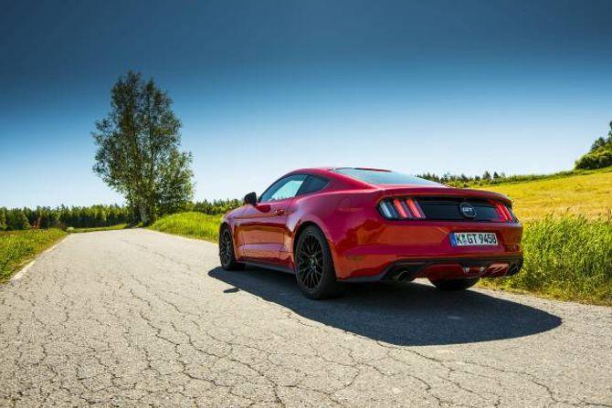 GT: Utgåva med V8-ar heiter GT.