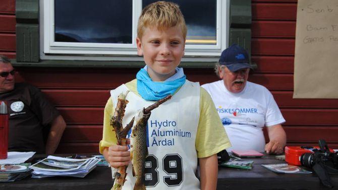 UNGE: Den store utfordringa til Årdal Jeger- og fiskerforening er å få med dei unge. Når dei først blir med, blir det utruleg viktig å lære dei korleis ein skal skjøtte naturen riktig.