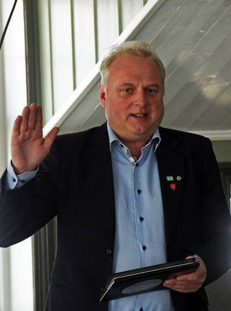 ORIENTERTE: Ordførar i Lærdal, Jan Geir Solheim, sit i arbeidsutvalet og orienterte om status for strekningane i Indre Sogn.