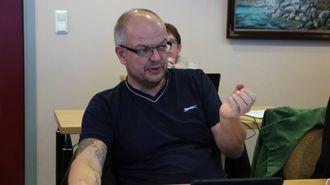 SVARAR: Hilmar Høl (Ap) meiner Malkenes ikkje har fulgt med i timen og svarar på kritikken.