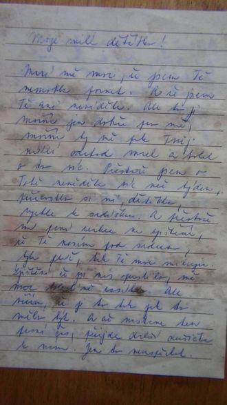 BREV: Dette brevet Trulssen fann i Hedler har nok liten historisk verdi, men kva som står her framstår som eit mysterium. Privat foto