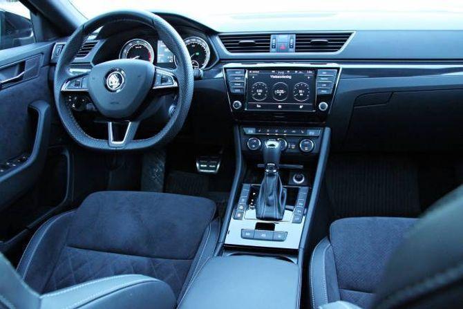 FINT: Interiøret er funksjonelt, med ein logikk som er gjennomgåande i alle modellane til Volkswagen-konsernet.