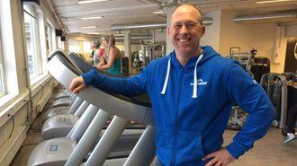 UTVIDAR: Dagleg leiar Kolbjørn Rydvang i Idrettsenteret seier dei treng å auke kapasiteten og ønskjer òg meir tomleplass til nye aktivitetar.