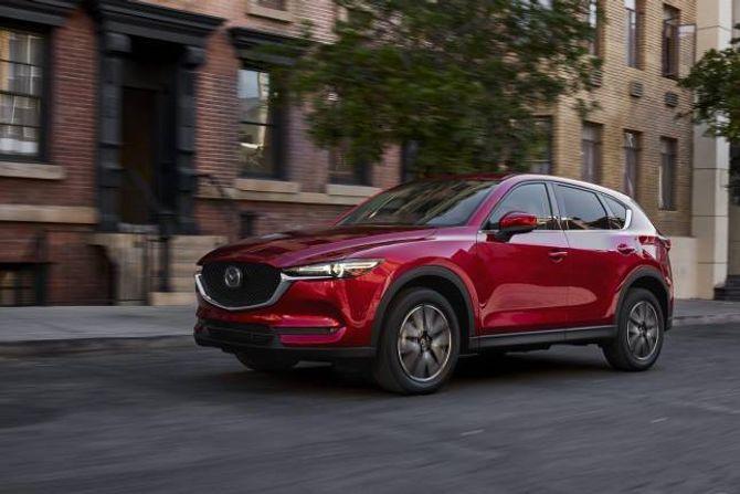 BESTSELJAR: Mazda CX-5 har selt veldig godt i Noreg, det vil høgst sannsynlig fortsette når den nye utgåva kjem til sommaren.