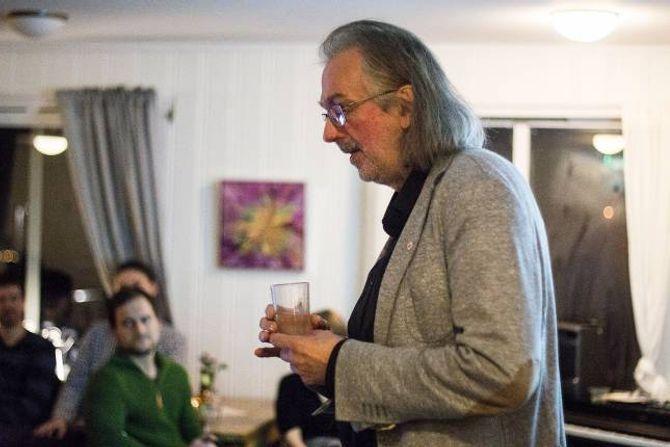 FØREDRAG:«Handlar økonomi om meir enn pengar?»var tittelen på føredraget professor Jakobsen heldt på Marianne Bakeri og Kafe denne veka.