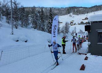 FÆRRE ENN VANLEG: Harjo fortel at det var færre påmeldte enn vanlig på cupen. Likevel var det heile 110 løparar med.