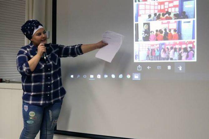 FORTALTE: Dei syriske flyktningane fortalte om sin kultur og kvardagslivet i Syria.