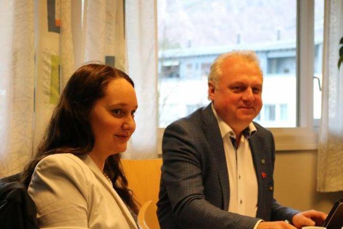 IKKJE I TVIL: Gro Starheimsæther og ordførar Jan Geir Solheim (begge Sp).