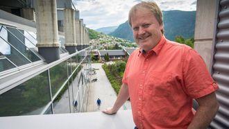I RUTE: Bygginga starta i fjor, no ser prosjektleiar Yngve Hallén fram til å opne innovasjonsbygget i oktober.