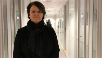 FÅ UFAGLÆRTE STILLINGAR: Mette Berg ved NAV Årdal seier arbeidsmarknaden i kommunen er god, men at mangel på ufaglærte stillingar gjer det vanskeleg å få busette flyktningar ut i ordinært arbeidsliv.