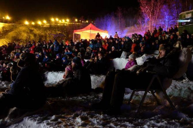 GODT BESØKT: I fjor var over tusen menneske innom utekinoen på Filefjell.