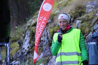 NØGD: Bjørghild Holien er nøgd med arrangementet og glad for kjende løparar som Vedvik stiller opp.
