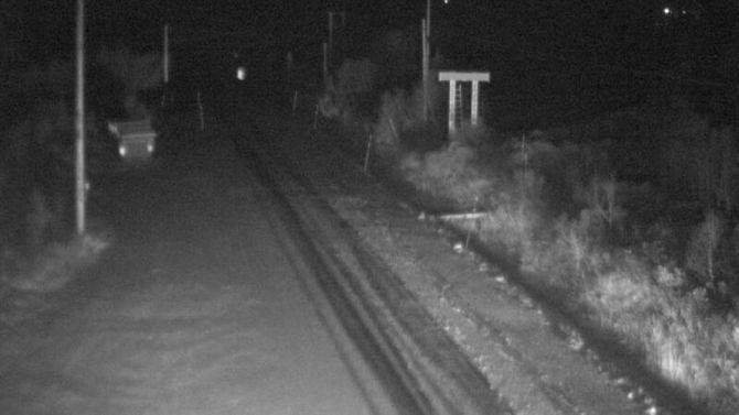 LAGT SEG: Søndag kveld la snøen seg i vegbana på E16 over Filefjell.