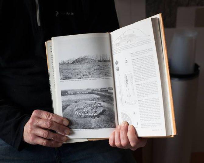 – Eg er ikkje aleine. Jens Hauge finn inspirasjon hjå landart-kunstnarar som Richard Long, så vel som i geologi, arkeologi og hjå andre fotografar.