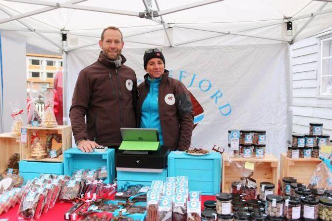 BOD: Sognefjord sjokolade var på plass med bod på årets julemarknad.