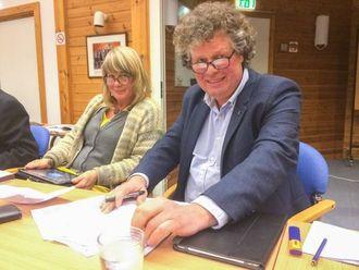UROA:Monica Gjesdal Larsenog Anders Fretheim i Miljøpartiet fryktar dei føreslegne flaumdempingstiltaka kan kome til å skade Flåmsvassdraget.