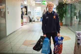 LETTA:Ole Øyvind Saltefrå Sogndal var ein av dei som letta kunne konstantere at han kom i mål med julehandelen i år òg.