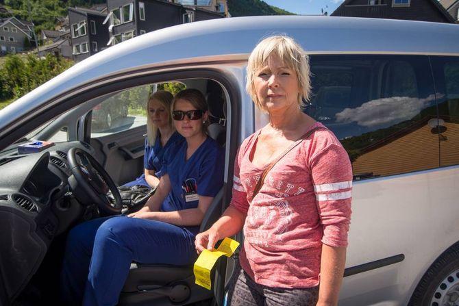SINTE: Dei er alle heimesjukepleiarar og har alle opplevd å fått bøter i arbeidstida. Frå venstre: Britt Jorunn Øyri Thue, Marianne Yttri Sætre og Margunn Nondal.