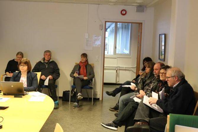 MANNSSTERKE: Grunneigarar og hytteeigarar i Bermålsviki pluss grunneigarar på eller nær Håbakken var til stades under formannskapsmøtet måndag.