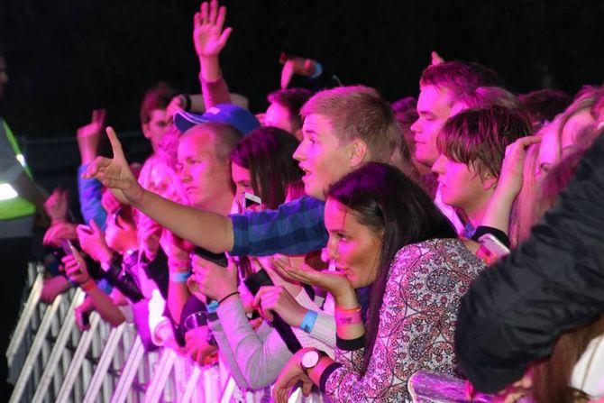 STEMNING: Etter alt å døma vil årets bandliste også fenga publikum under sumarens festival i Lærdal – her frå laurdagen i fjort. Arkiv