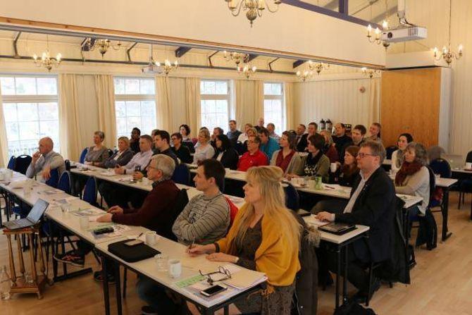 TILHØYRARAR: Folk frå næringsliv og kommune var tilhøyrarar under næringsdagen i Aurland denne veka.