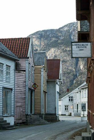 Lærdal er ein av mange kommunar som jobbar med å skape liv i gamle sentrumsbygg.