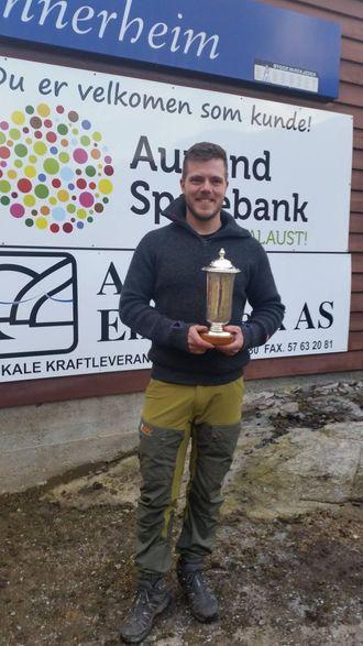 POKAL: Vinnaren av E-CO pokalen vart Andreas Seilen, Åsane og Hordvik skyttarlag.