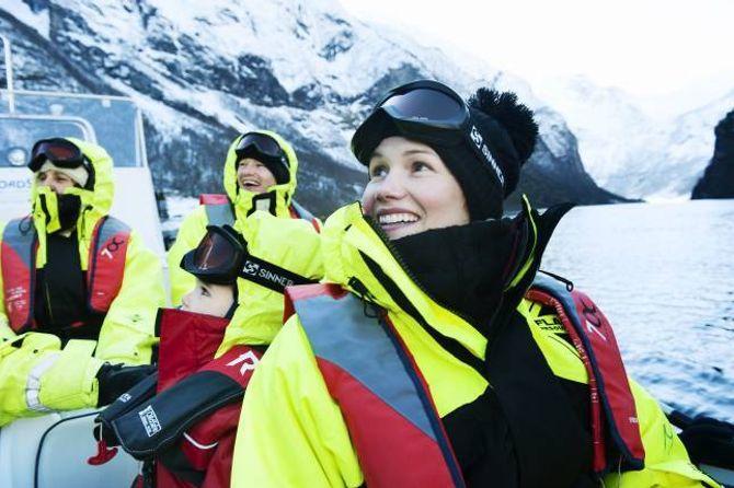 VINTERAKTIVITET: Flåm Guideservice var ein av dei som var først ute med å tilby vinteraktivitetar i Flåm, men er avhengig av hjelp frå aktørar for å lykkast.