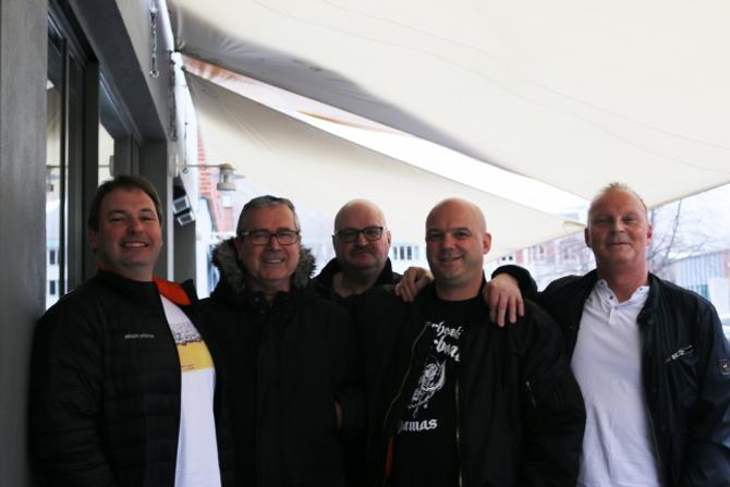 EIT GODT TILBOD: Mange synest musikkquiz er sosialt og moro. Frå venstre:Harry Løkelan, Oddvar Øyre, Stein-Arve Lindborg, Helge Hagen og Arne-Hugo Undi.