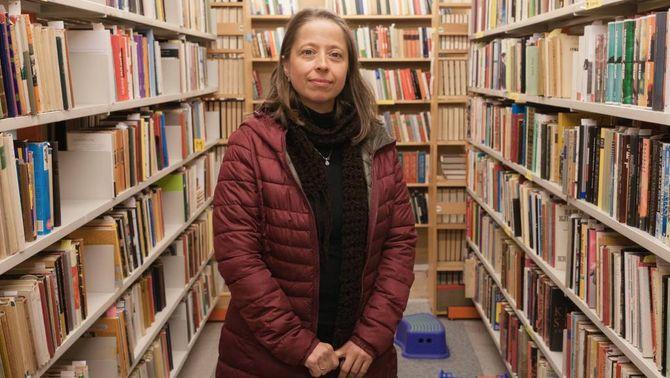 Marianne Supphellen er ein av to tilsette ved bokbyen, etter å ha arbeidd mange år som sommarhjelp.