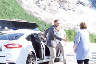 STASELEG VITJING: Kronprins Haakon var innom i fjor.