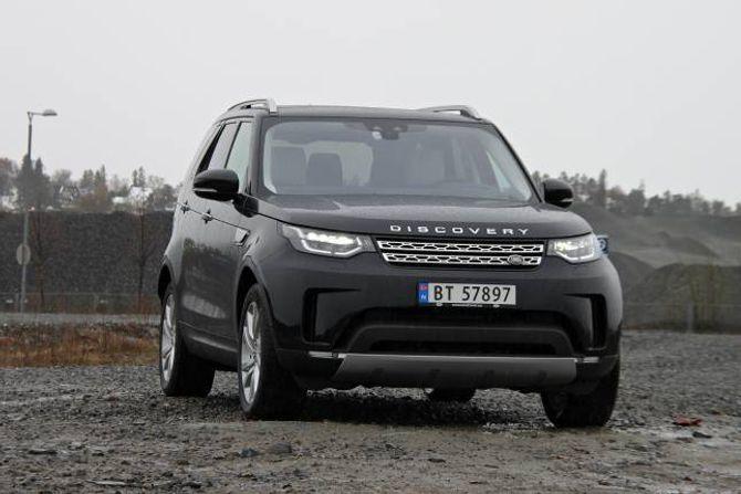 SLEKT: Fronten har ein del fellestrekk med Range Rover-modellane, som er litt meir raffinerte både innvendig og utvendig.