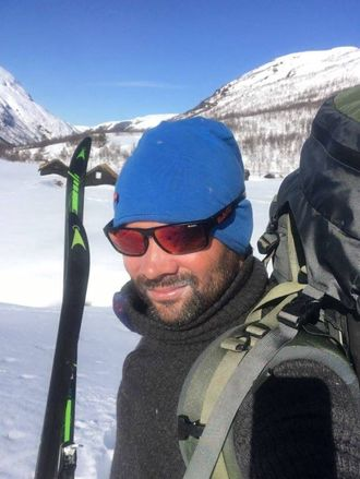 MYKJE BESØK: Nystedt fortel at kompisar han elles ikkje høyrer frå alltid plar ringe når Tindevegen har opna. Då vil dei kome på besøk og gå på ski.