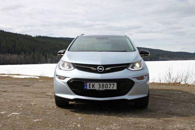 RYDDIG: Opel og General Motors har valt eit ganske konvensjonelt ytre, mens mange andre vil vise fram elbilane sine ved å gi dei sær design.