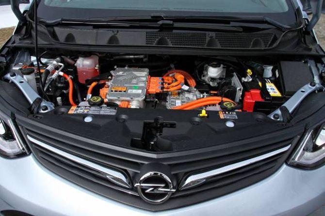 USA: Ampera-e er i heilt og fullt bygd i USA, og er, bortsett frå merka, heilt lik Chevrolet Bolt. Kva som skjer etter at Peugeot-konsernet no har kjøpt Opel frå General Motors, kan ein berre spekulere på.