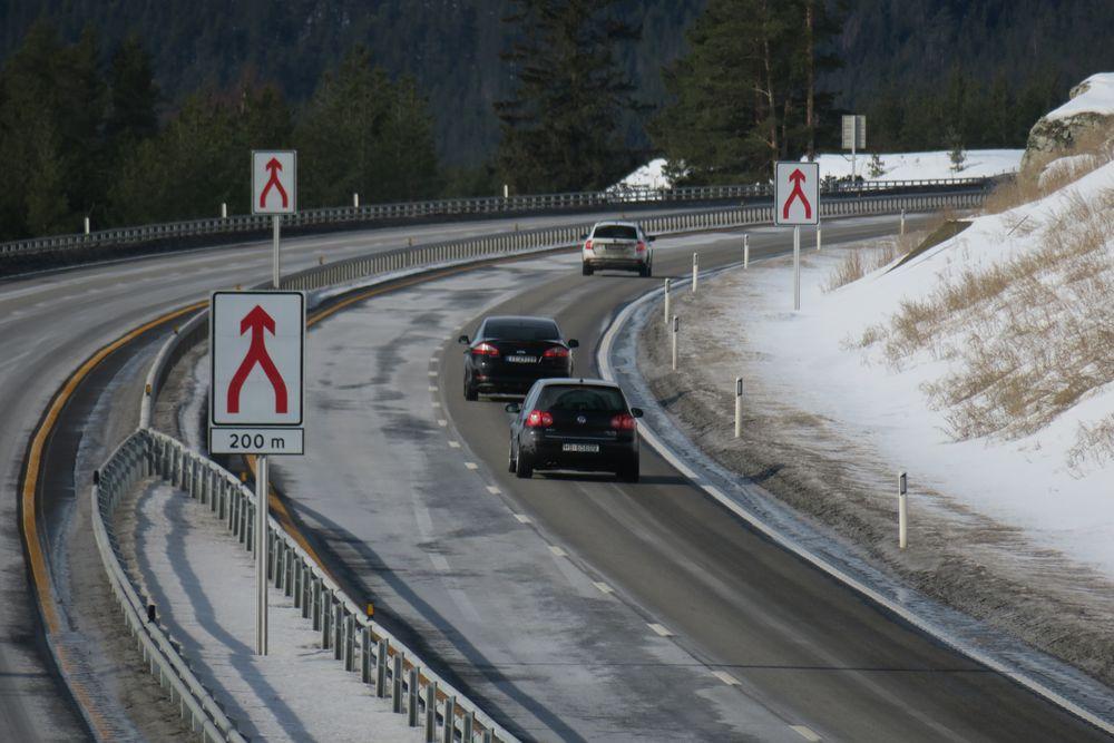 Innsnevring fra to til ett kjørefelt i nordgående retning på nye E6 ved Sjoa i Gudbrandsdalen. Ny E6 på strekningen fra Frya til Sjoa ble åpnet i desember 2016.