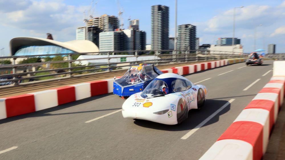 I helga gikk billøpet Shell Eco Marathon av stabelen i London, der målet er å komme lengst mulig på minst mulig drivstoff.E norsk-fransk bil stakk av med førsteplassen.