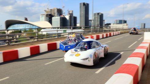 Denne norsk-franske bilen kan kjøre nesten 700 kilometer på én liter etanol