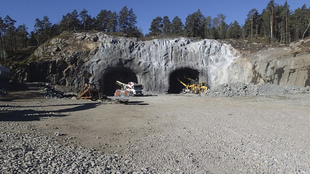Nye Veier har fått godkjent fravik fra veinormalen og bygger den nye tunnelen på E18 mellom Tvedestrand og Arendal med rette vegger.