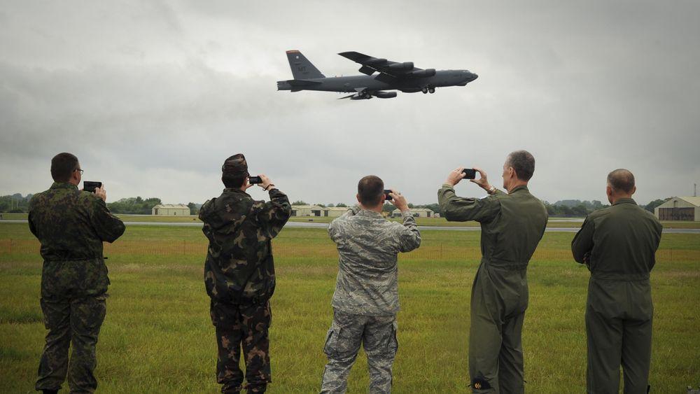 B-52H Stratofortress tar av fra RAF Fairford i fjor sommer.