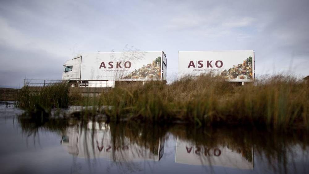 Asko skal drive lastebiler med hydrogen laget fra strøm fra lagertaket.