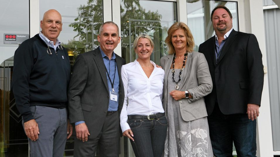 Proffe supply chain-folk på Losby Gods. Fra venstre: Jim Byrnes, Blue Ridge, Sverre Rosmo,  Inventory Investment, Lorna Stangeland, tidl. Vectura, nå VP for Supply Chain Management i Atea-konsernet, Erill Bø, BI, Nils Pedersen, Coop. Foto: Per Dagfinn Wolden