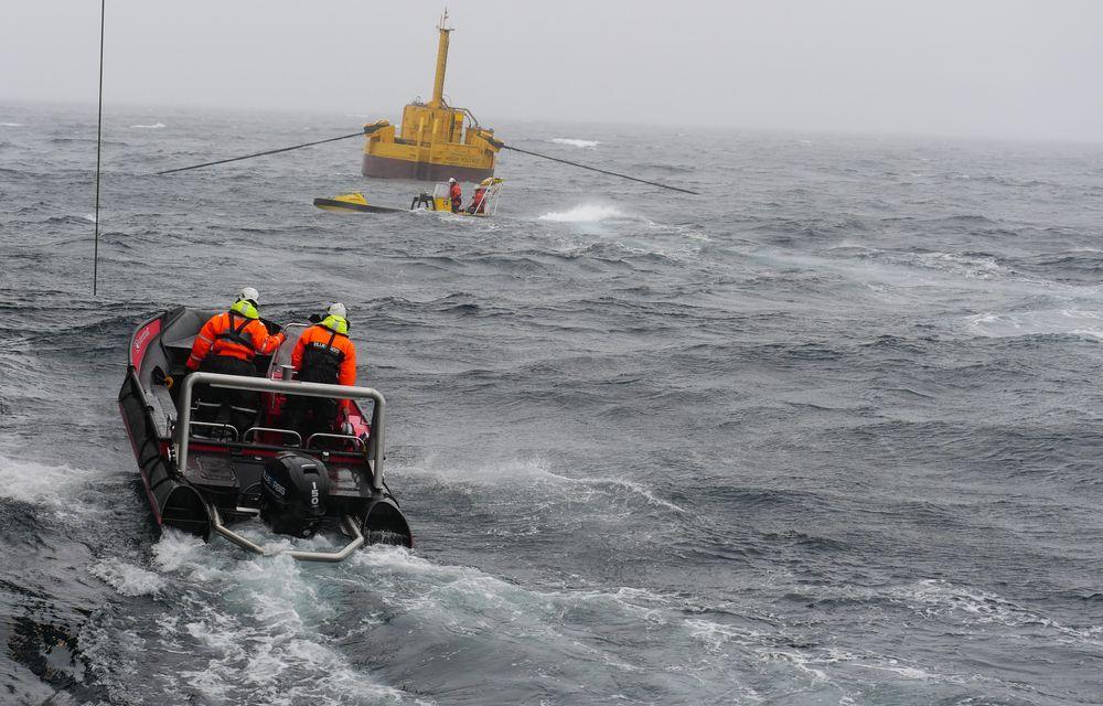 Bølgekraftverket opplevde orkan med bølger opp i 14 meter like etter testmontering vinteren 2016.