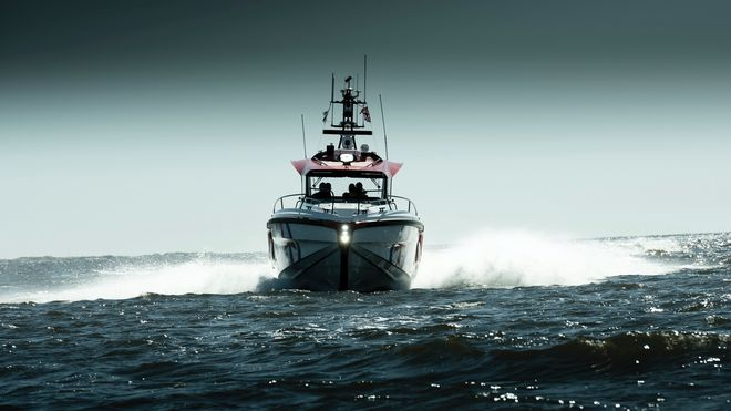 Det startet med en finerplate, i dag er Hydrolift-båt et 45 knops råskinn