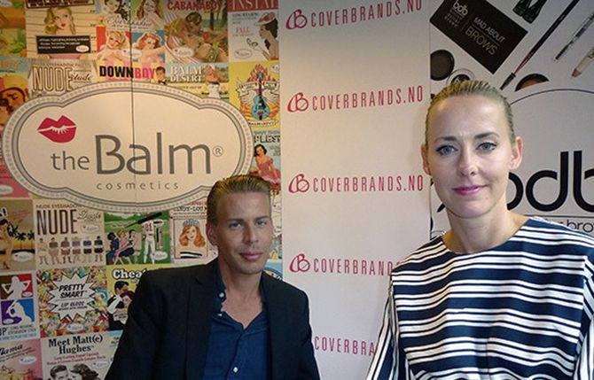 COVERBRANDS-DUOEN: Anders Julian Fagerli og Tone Elisabeth Pettersen møttes mens de studerte markedsføring i England. Siden 2009 har de sammen drevet en av Norges største nettbutikker i kategorien skjønnhet.